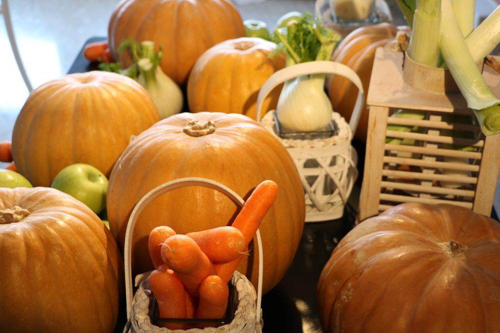 Σκαλίσματα σε Φρούτα και Λαχανικά100
